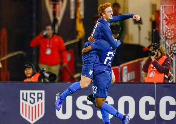 Josh_sargent_-_asn_top_-_isi_-_celebrates_goal_vs._peru_-_10-16-18_-_howard_smith