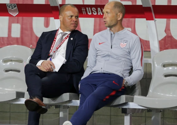 Earnie_stewart_and_gregg_berhalter_-_asn_top_-_isi_-_together_on_usmnt_bench_-_january_2019_-_john_dorton