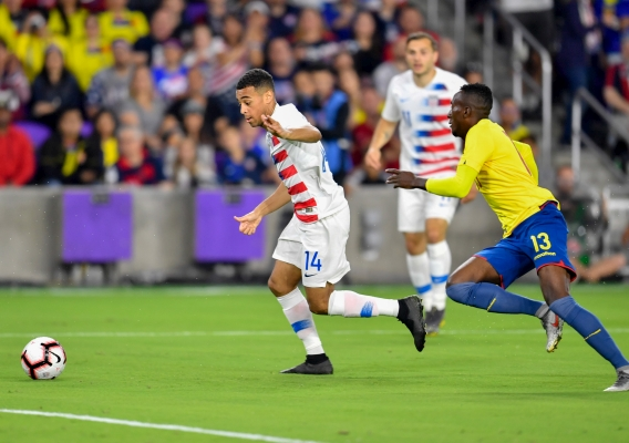 Tyler_adams_-_asn_top_-_isi_-_usmnt_vs_ecuador_-_with_the_ball_-_roy_miller_-_3-21-19