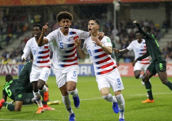 Sebastian_soto_-_asn_top_-_celebrates_goal_vs._nigeria_at_2019_u-20_wc