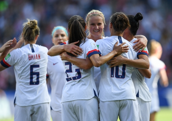 Uswnt_-_asn_top_-_isi_-_celebrate_2019_wc_goal_vs._chile_-_brad_smith