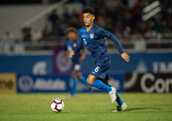 Brandon_servania_-_asn_top_-_isi_-_u.s._u-20_-_2018_vs_mexico_in_concacaf_final_-_roy_miller