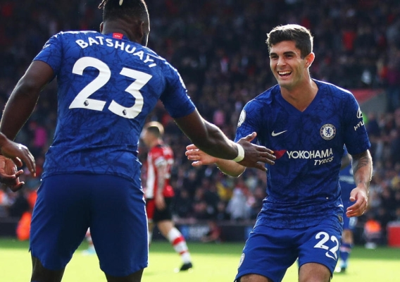 Christian_pulisic_-_asn_top_-_celebrates_with_chelsea_-_assist_to_batshuayi_-_oct_2019