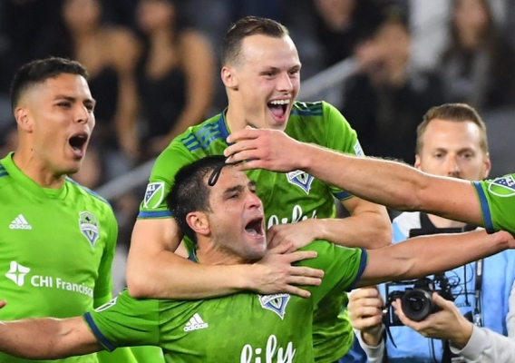 Seattle_sounders_-_asn_top_-_celebrate_lafc_win_-_10-29-19