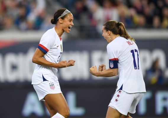 Lynn_willians_and_tobin_heath_celebrate_-_asn_top_-_isi_-_uswnt_vs_costa_rica_-_brad_smith_-_11-10-19