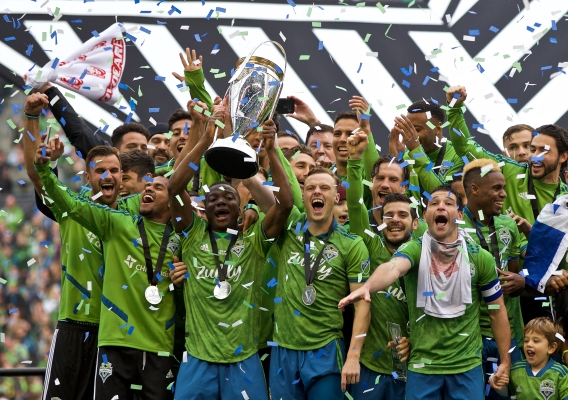 Seattle_sounders_win_2019_mls_cup_-_asn_top_-_isi_-_trophy_celebration_-_craig_mitchelldyer
