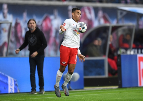 Tyler_adams_-_asn_top_-_rb_leipzig_vs._augsburg_2019