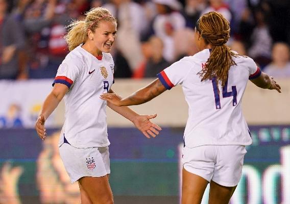 Lindsey_horan__jessica_mcdonald_celebrate_uswnt_goal_-_asn_top_-_isi_-_vs._panama_-_olympic_qualifying_-_brad_smith