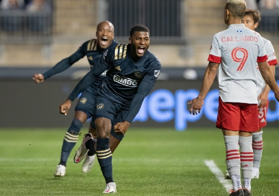 Mark_mckenzie_-_asn_top_-_celebrates_union_goal_-_10-24-20