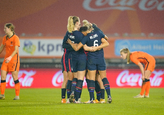 Uswnt_-_asn_top_-_isi_-_celebrate_vs._netherlands_-_11-27-20_-_brad_smith