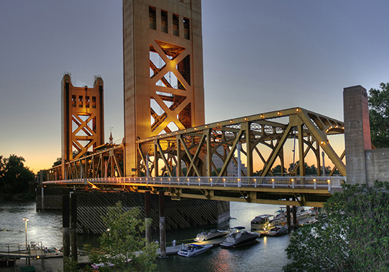 Wikicommons_sacramento_towerbridge_568x400