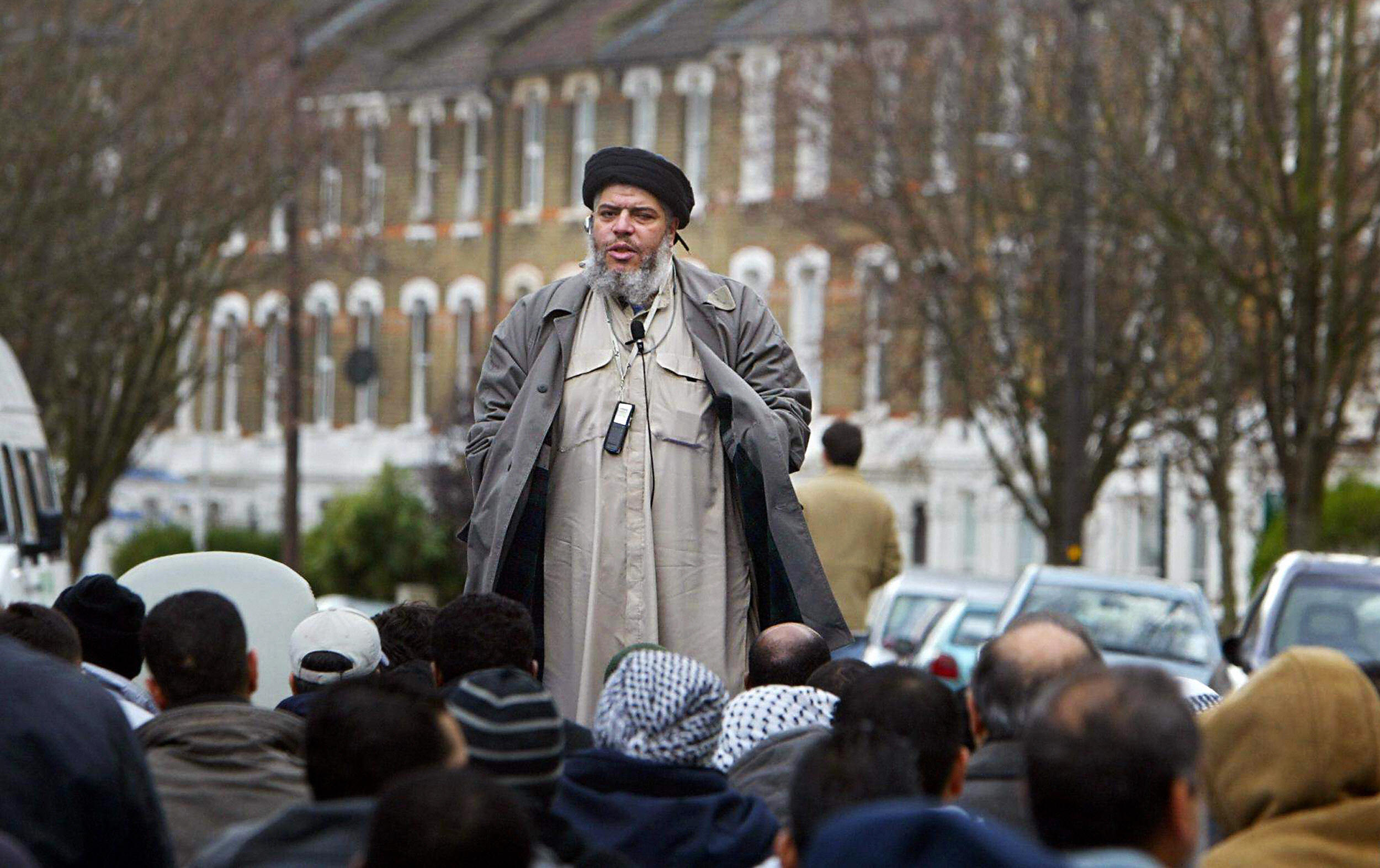 (FILES) Imam Abu Hamza al-Masri addresse
