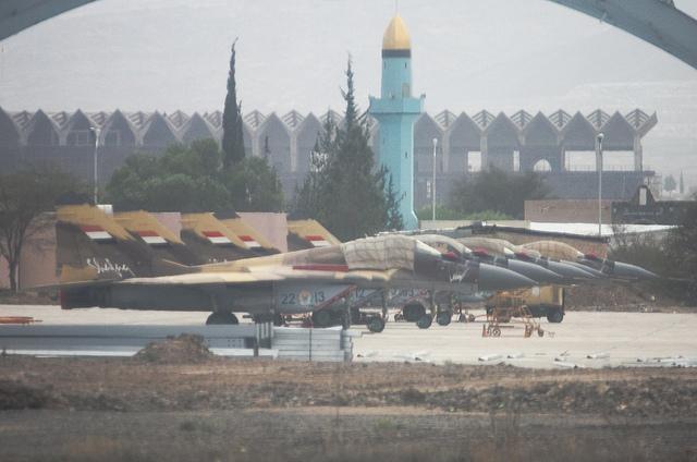 MiG-28 Sanaa airport - Flickr/Adibu456