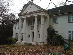 Deserted mansion, Bishops Avenue London, by David Jones/Flickr