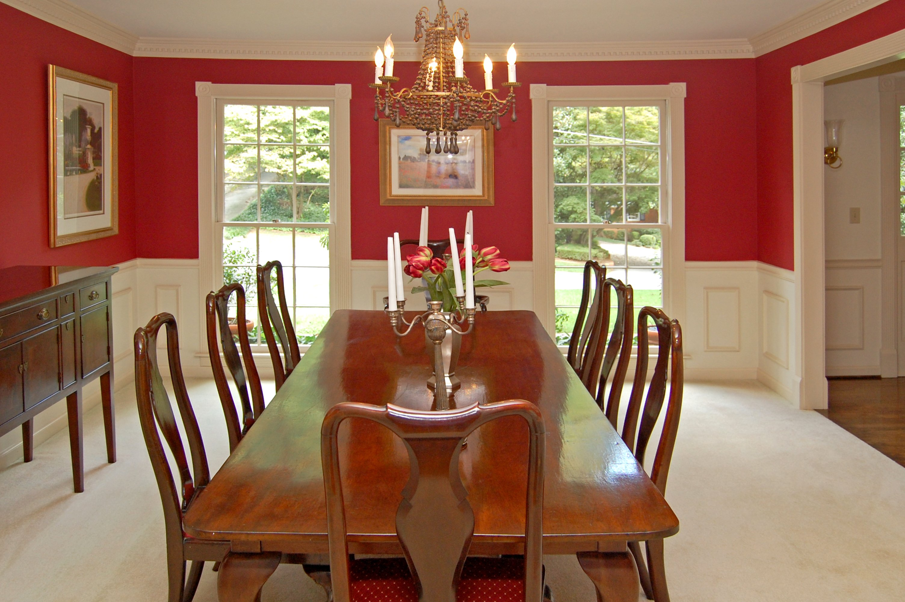Featured home center hall colonial in briarcliff woods for House dining hall images