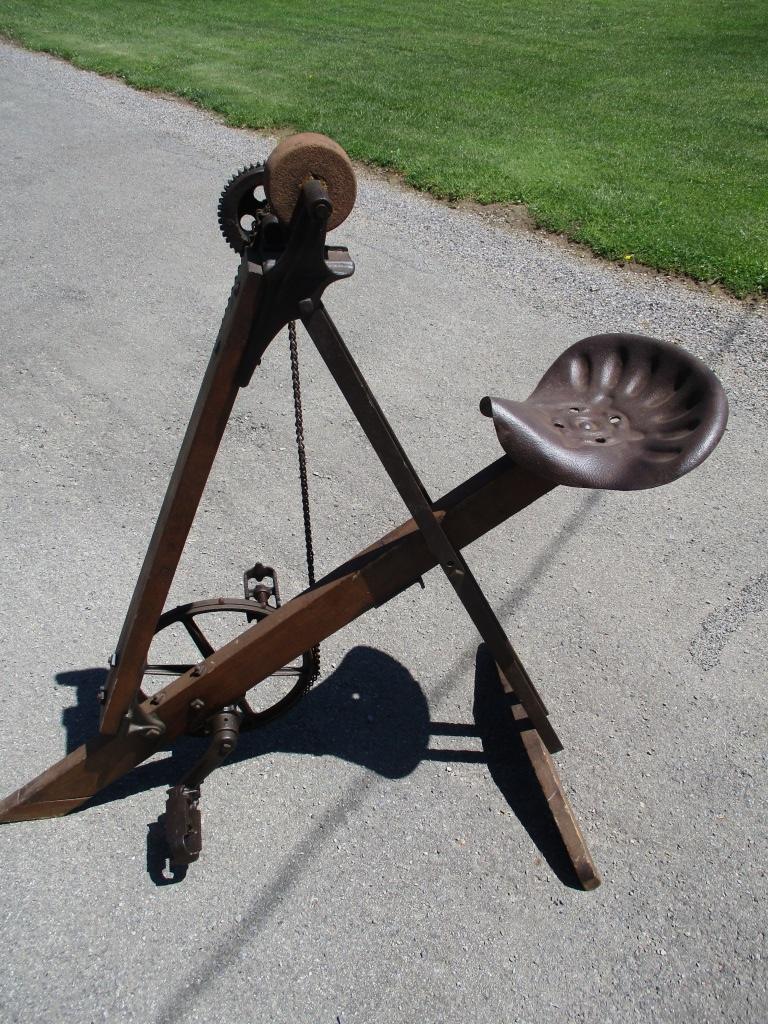 Pedal Grinder