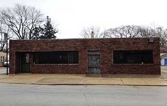 Live Auction: Commercial Building In Bradley, IL