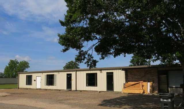 Online Auction: Commercial Building In Robertsdale, AL