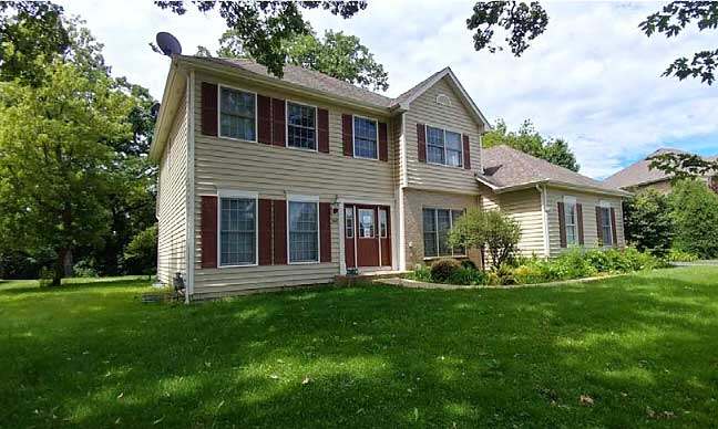 Live Auction: Single Family Home In Crystal Lake, IL