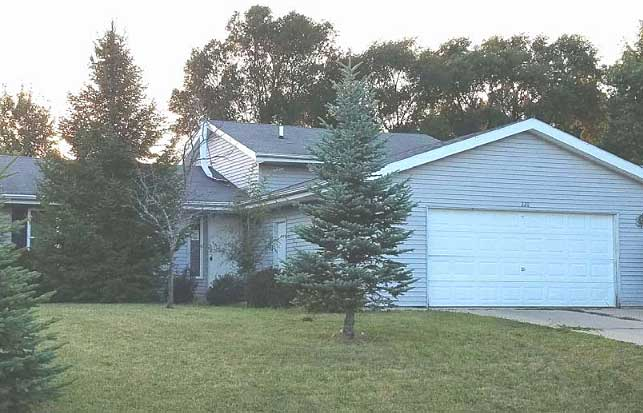 Live Auction: Single Family Home In Capron, IL