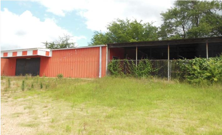 Online Auction: Commercial Building In Athens, TX