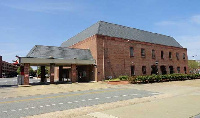 Live Auction: Commercial Building In Hampton, VA