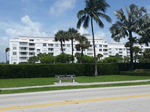 Live Auction: CO-OP Unit In Palm Beach, FL