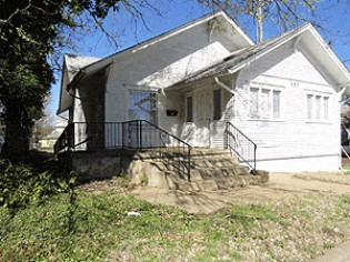 Online Auction: Commercial Building In Wichita, KS
