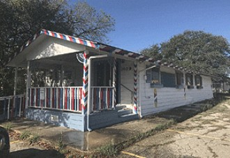 Live Auction: Commercial Building In Floresville, TX