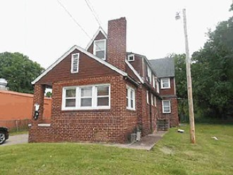 Live Auction: Multi-Family Building (2225 & 2227 McCalla Ave) In Knoxville, TN