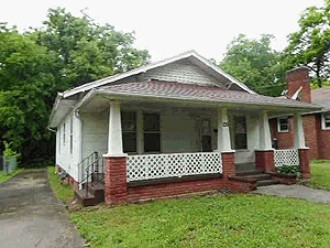 Live Auction: Single Family Home (135 S. Van Gilder St.) In Knoxville, TN