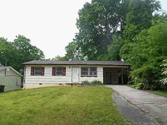 Live Auction: Single Family Home (915 S. Castle St.) In Knoxville, TN