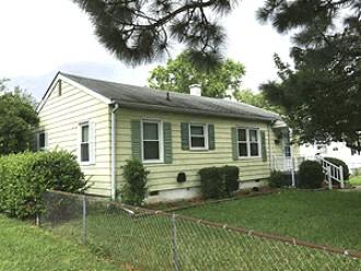 Online Auction: Single Family Home (108 Twin Oaks Drive) In Hampton, VA