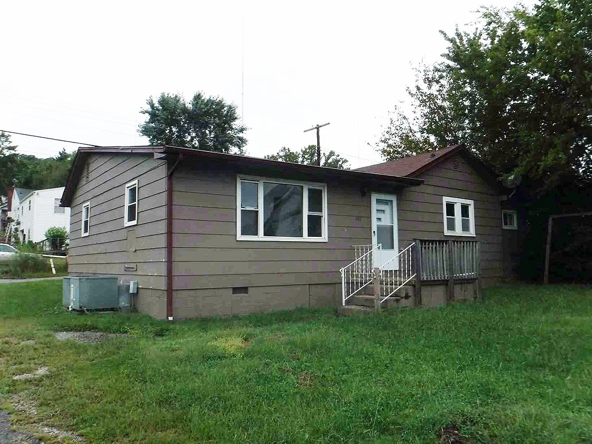 Live Auction: Single Family Home (301 Atlantic Ave) In Knoxville, TN