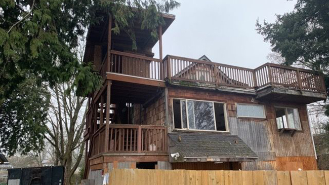 Online Auction: Single Family Home 8310 37th Avenue S., Seattle, WA
