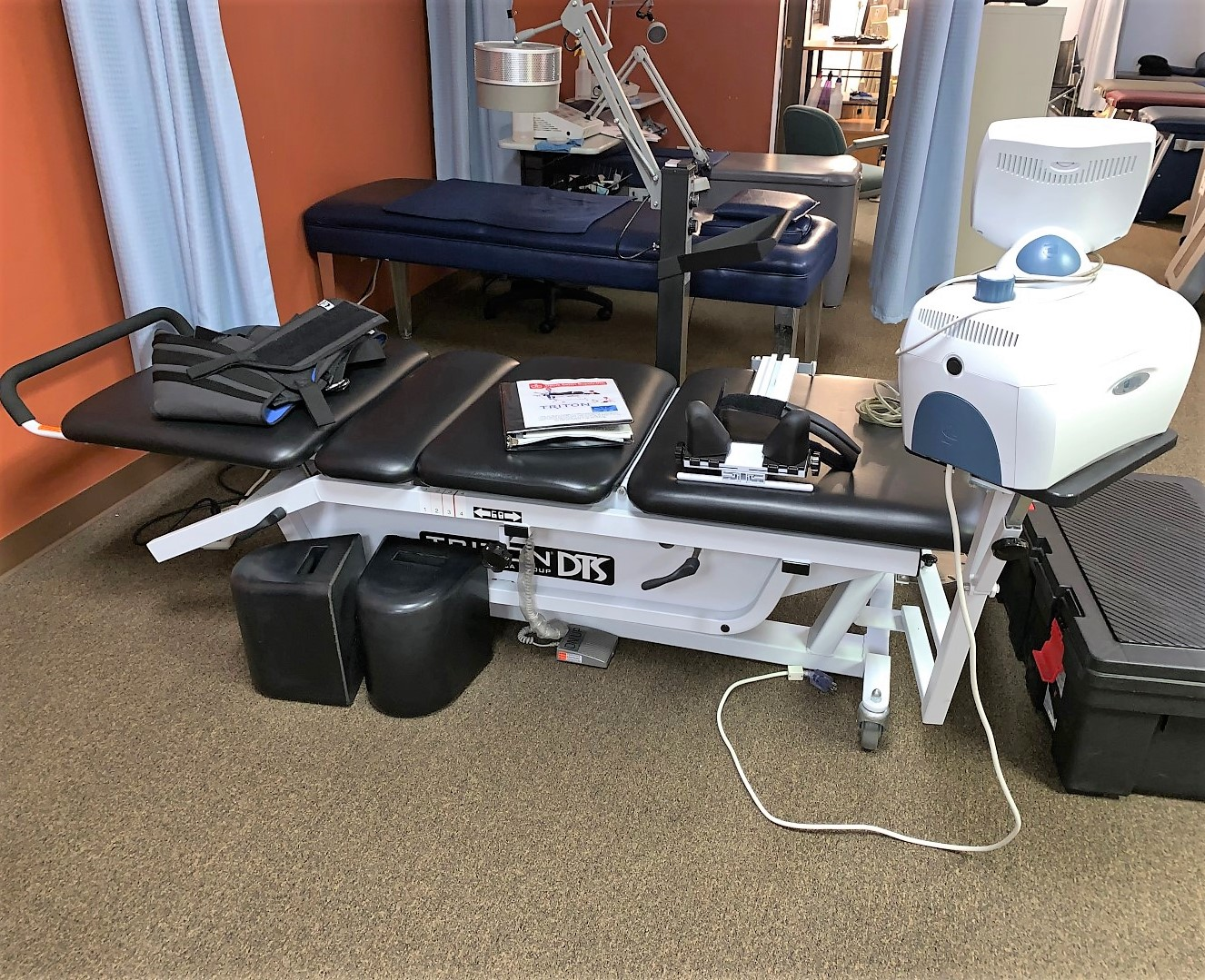 Chiropractor's Equipment & Office Online Auction In Indianapolis, IN