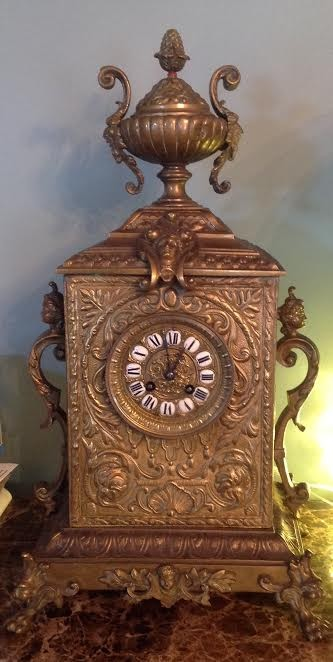 ornate_mantle_clock_1