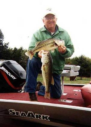 Coaches Guide Service <br>spinnerbait@mailcity.com <br> <br>www.coachesguideservice.com