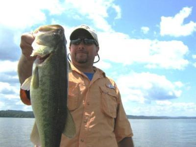 Fish Lake Guntersville Guide Service<br>www.fishlakeguntersvilleguideservice.com<br>Email: bassguide@comcast.net<br>Call: 256 759 2270<br>Captain Mike Gerry<br><br>