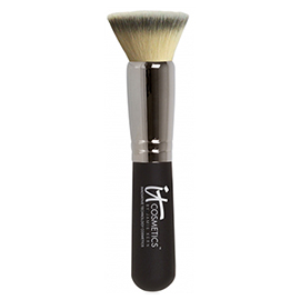 Heavenly Luxe(TM) Flat Top Buffing Foundation Brush | It Cosmetics | b-glowing