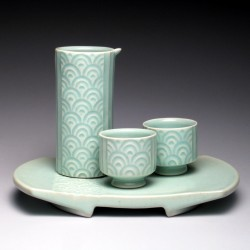 sake set and tray