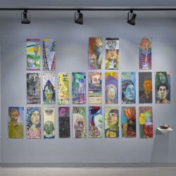 installation view of 'Faces'