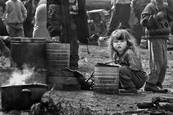 Girl_in_refugee_camp