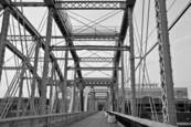Purple_people_bridge_7
