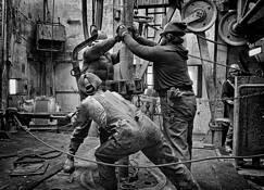 Derrick_workers