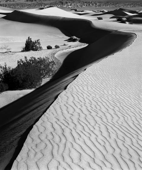 Death_valley_sand_dunes__2