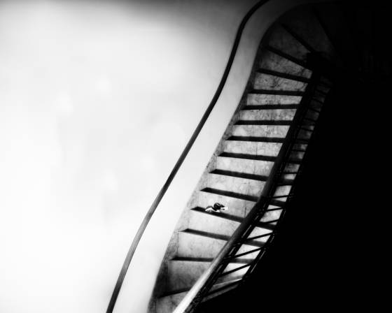Stairway_with_high_heels