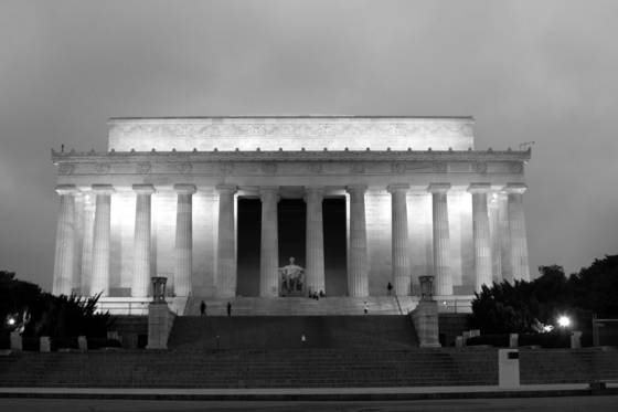 Dawn at the lincoln memorial