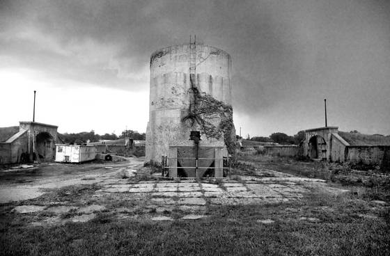 Silo_and_dumpster