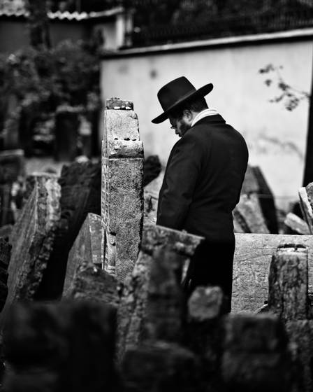 Old_jewish_cemetery_2